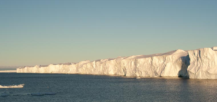 AVdP ice shelf edge 760x360